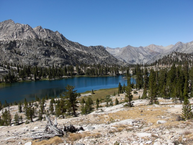 On the way to Rae Lakes